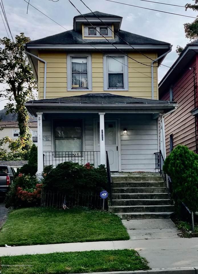 1020 Monroe Avenue - Photo 1