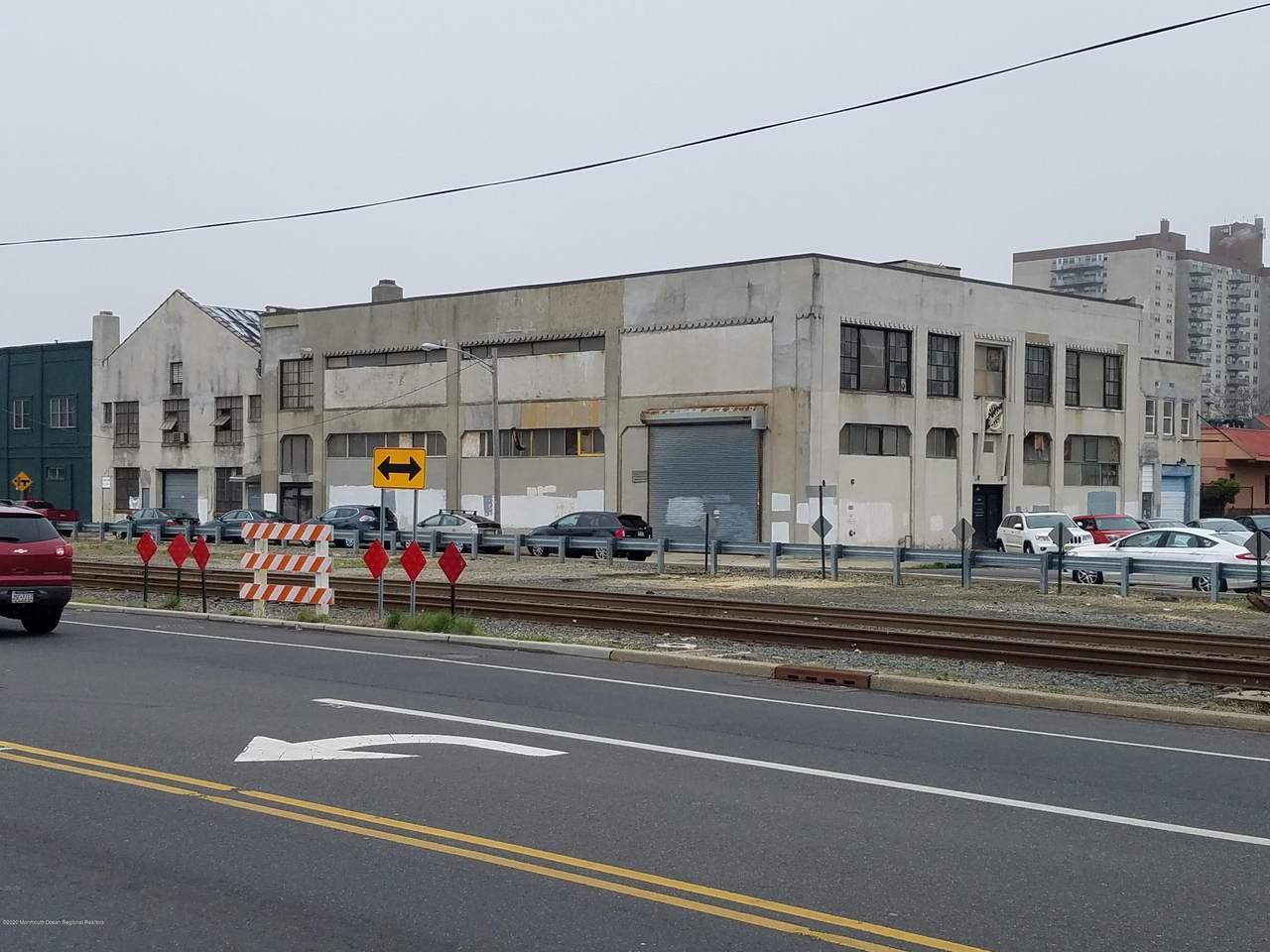 805-807 Summerfield Avenue - Photo 1