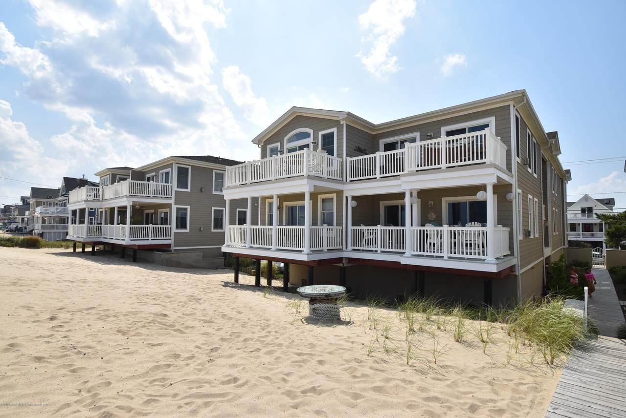 239 Beachfront - Photo 1