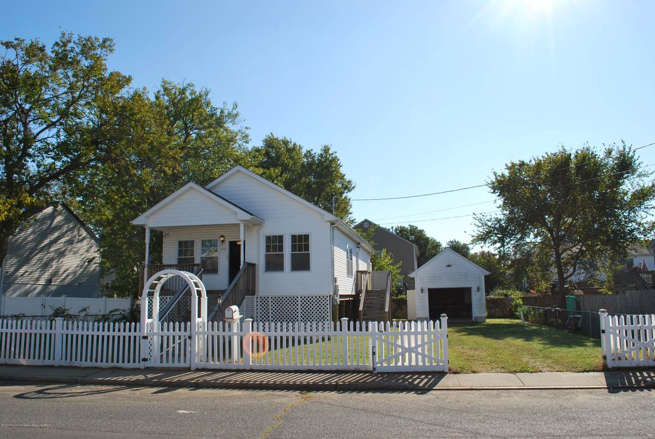 613 Monmouth Avenue - Photo 1