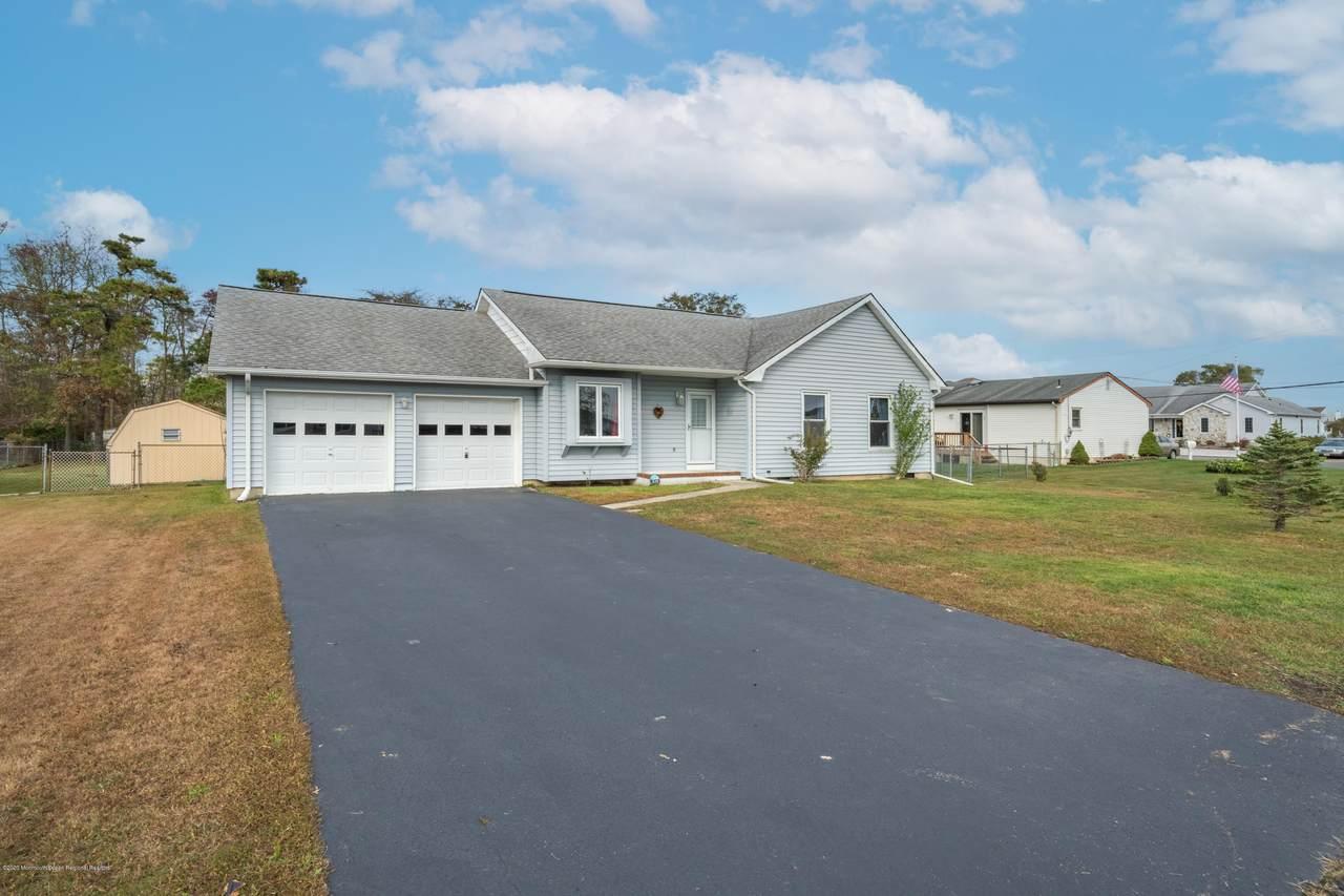 838 Hickory Drive - Photo 1