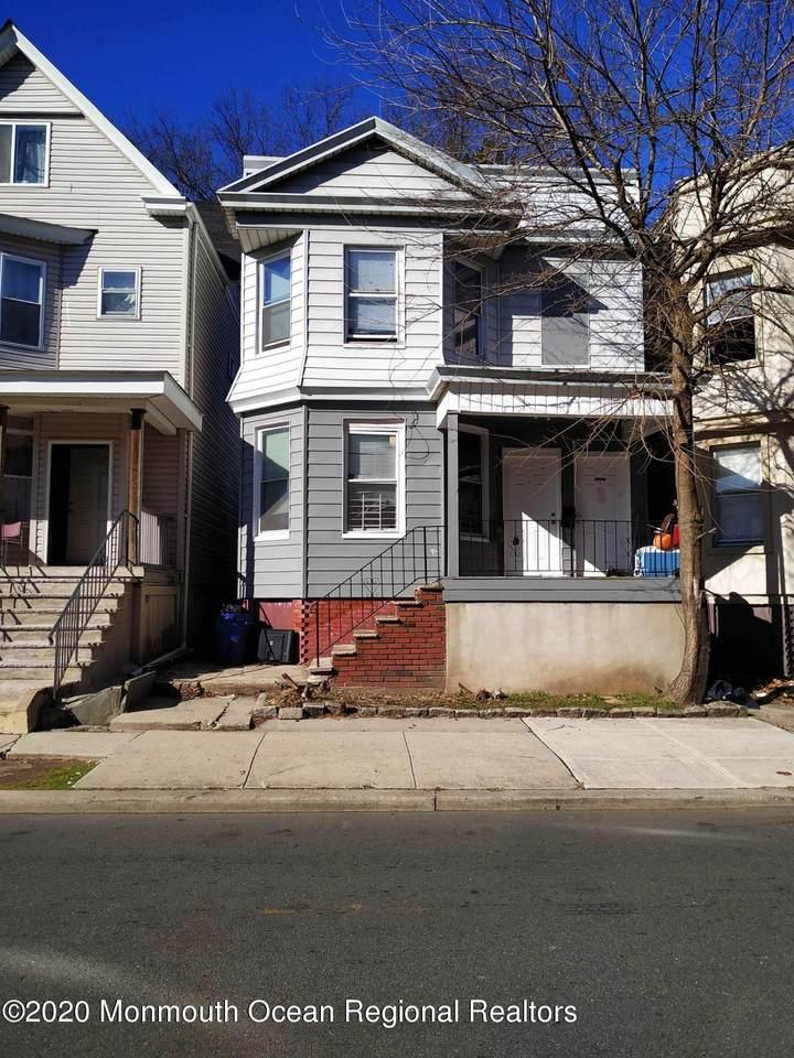 253 19th Street - Photo 1