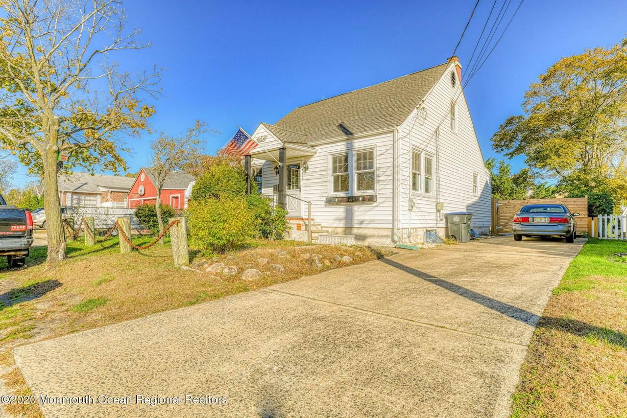 1726 Bellewood Avenue - Photo 1