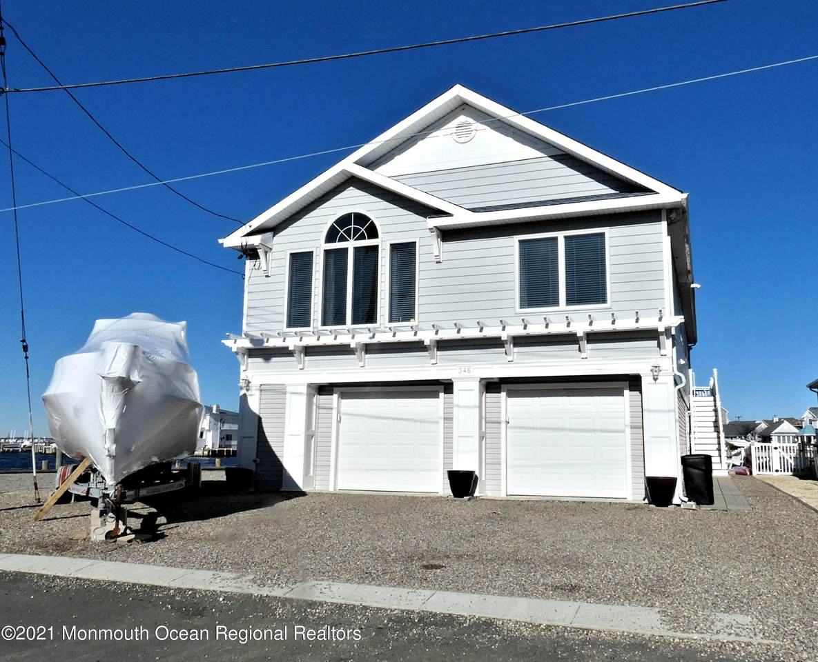 346 Bayview Drive - Photo 1