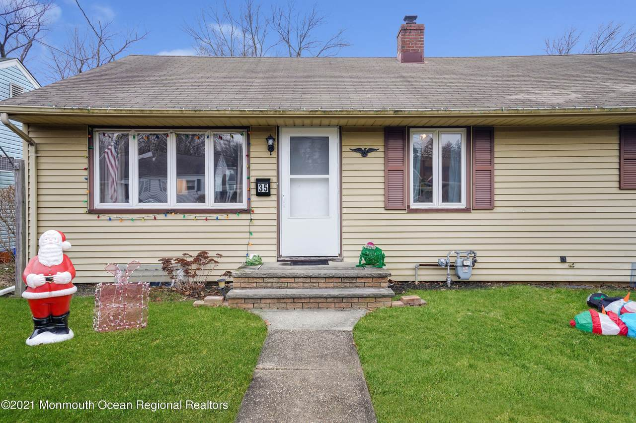 35 Meadowbrook Avenue - Photo 1