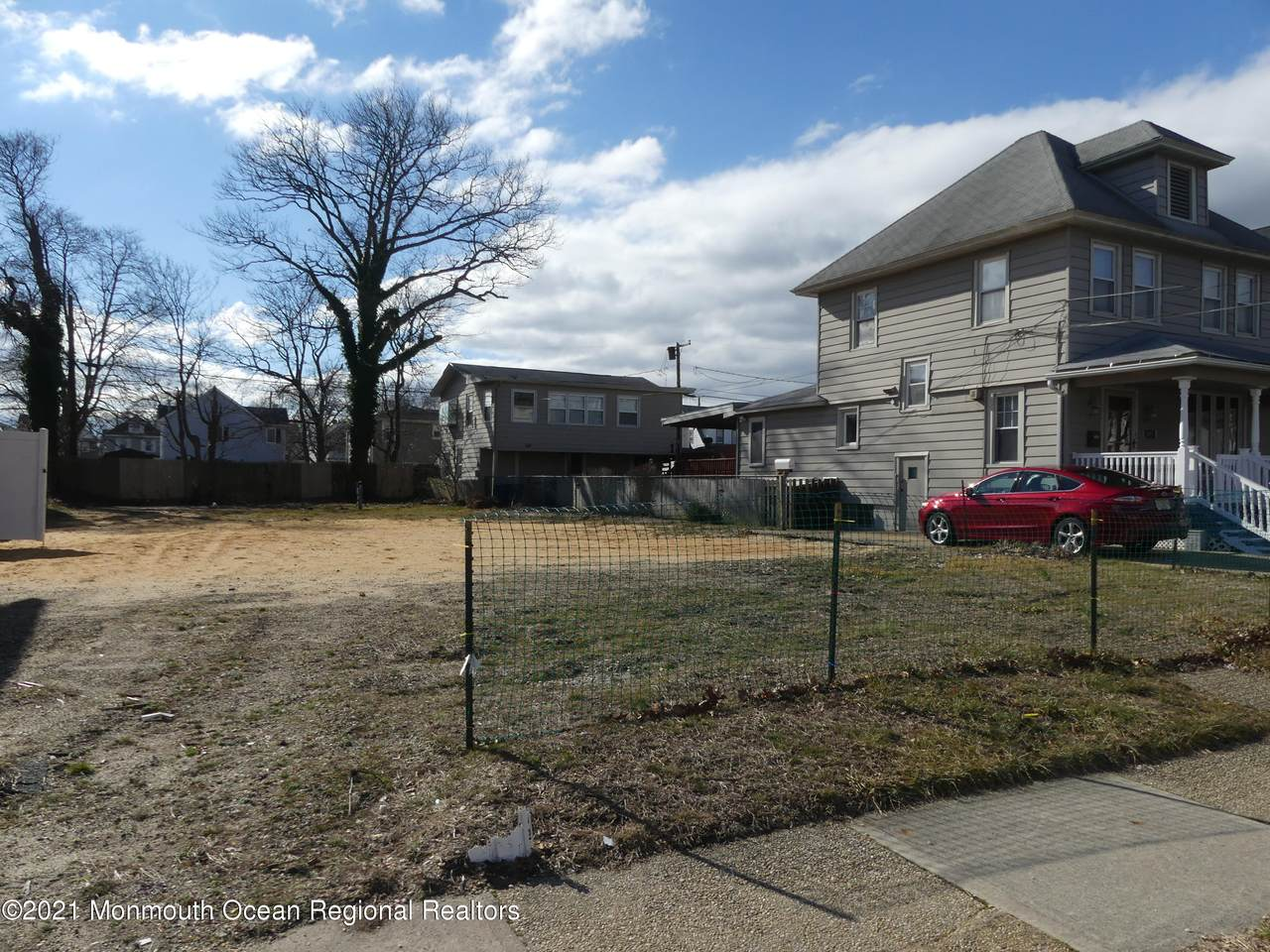 605 Lareine Avenue - Photo 1