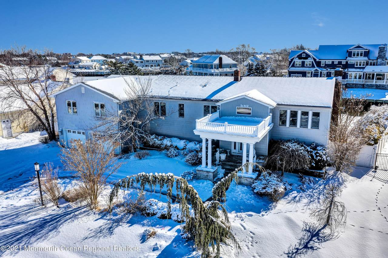 23 Gull Point Road - Photo 1