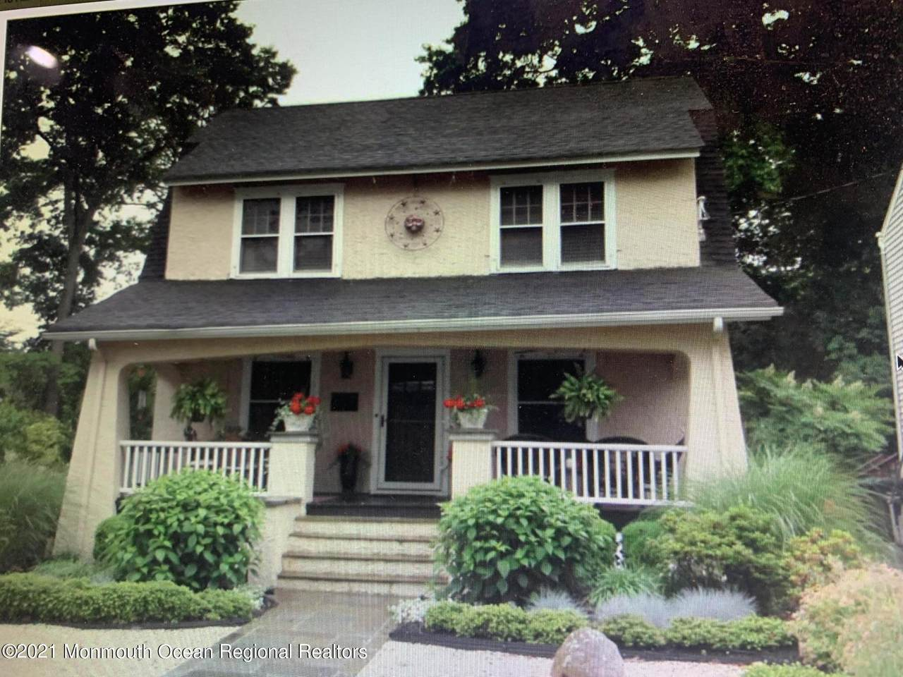 1002 Bendermere Avenue - Photo 1