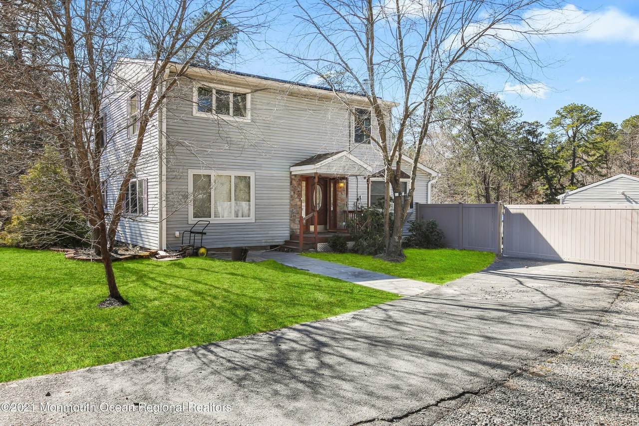 90 Willow Drive - Photo 1