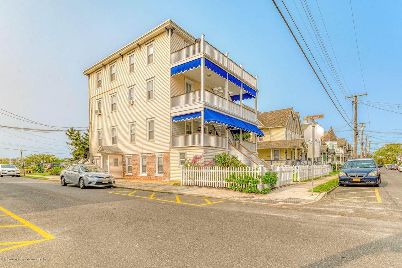 18 Abbott Avenue - Photo 1