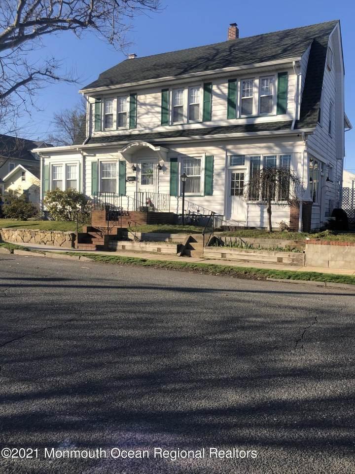 137 Stockton Avenue - Photo 1