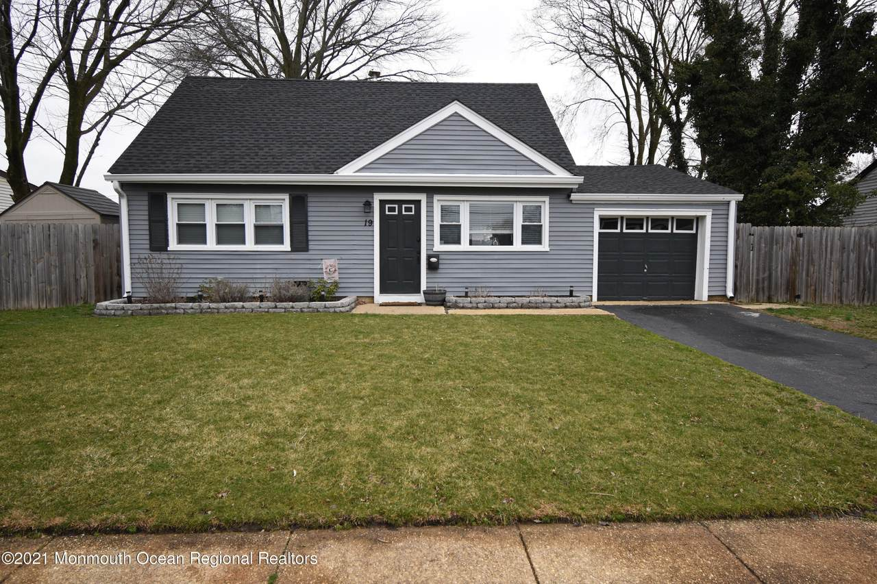 19 Buttonwood Place - Photo 1