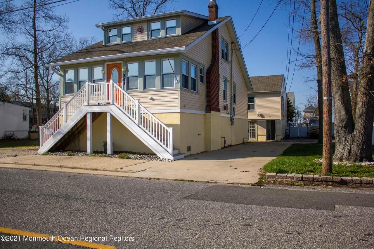 241 Lakewood Avenue - Photo 1