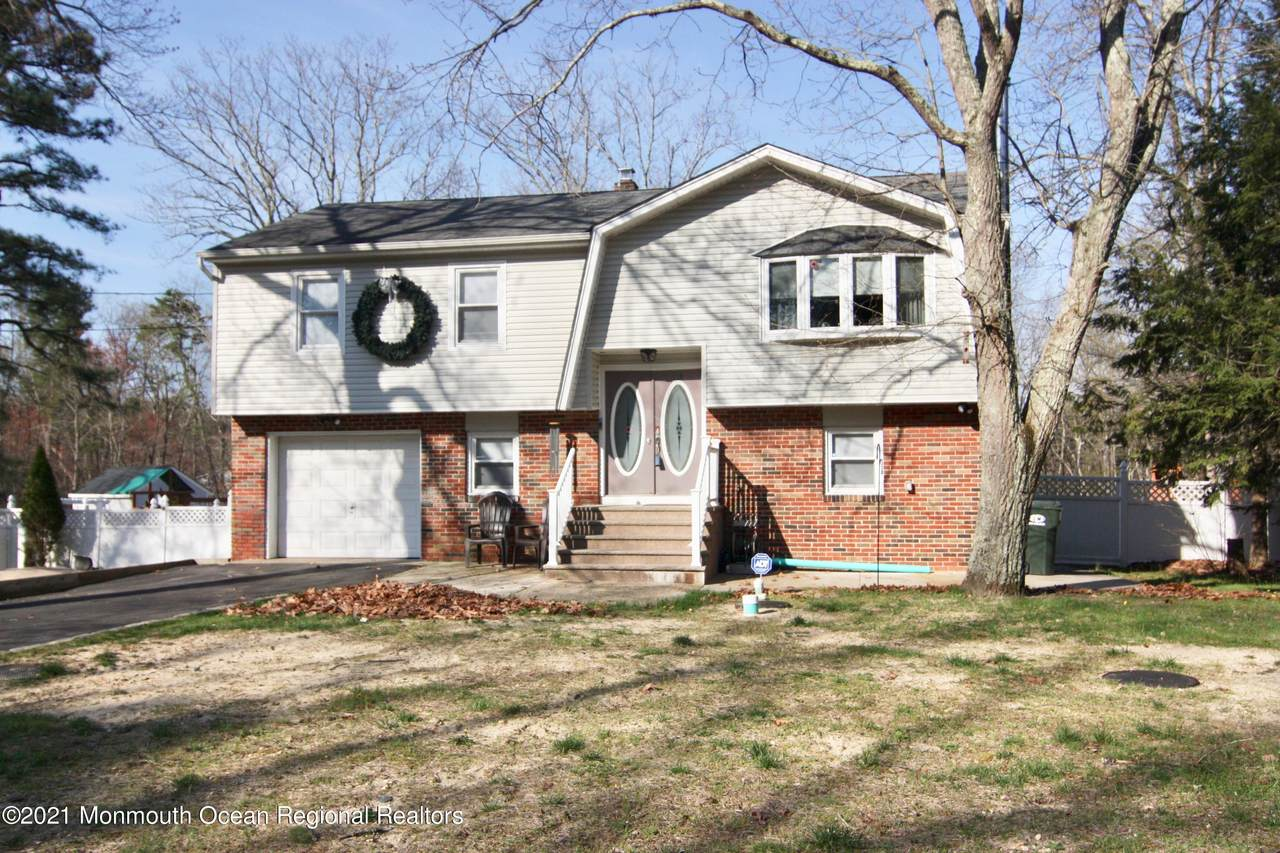 128 Willow Drive - Photo 1