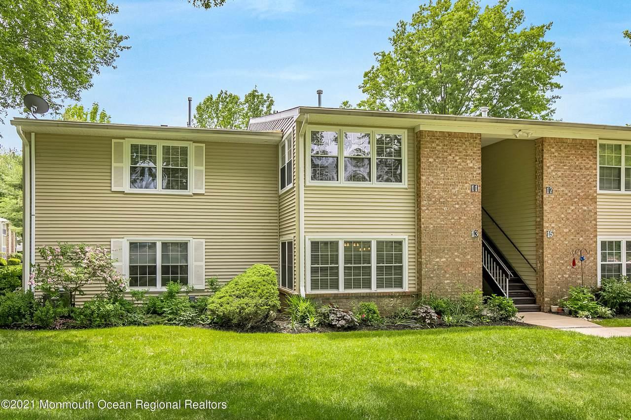 13 Boxwood Terrace - Photo 1