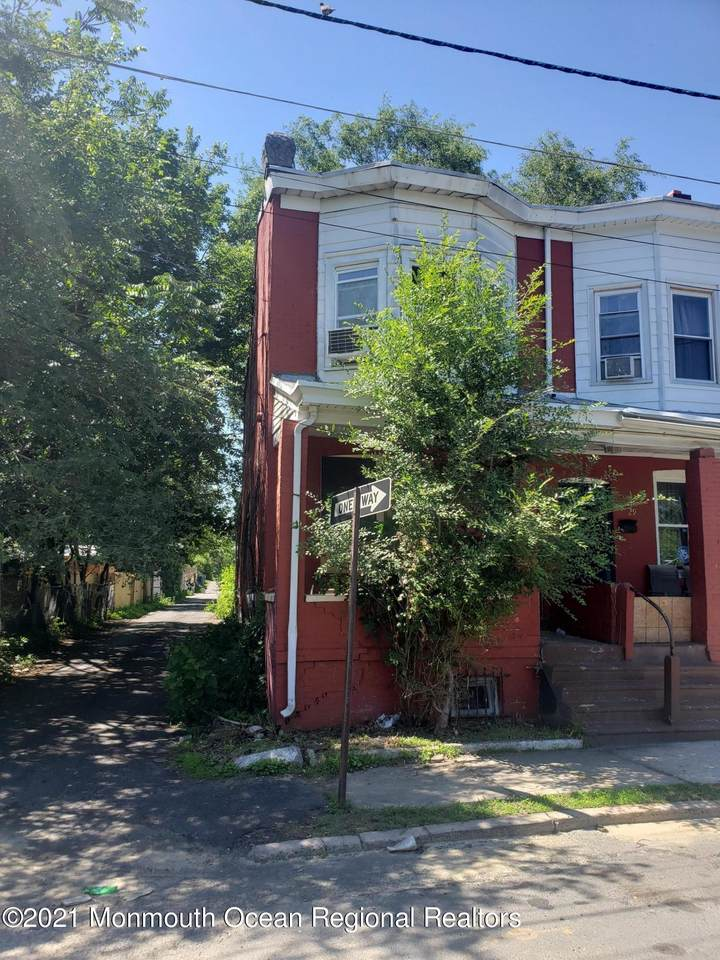 27 Harris Avenue - Photo 1
