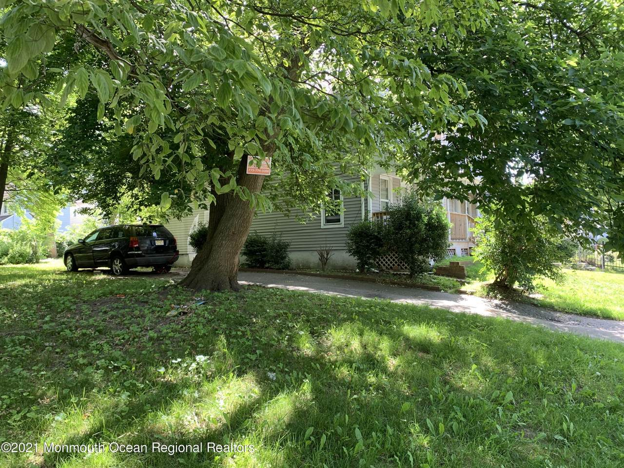 1036 Monroe Avenue - Photo 1
