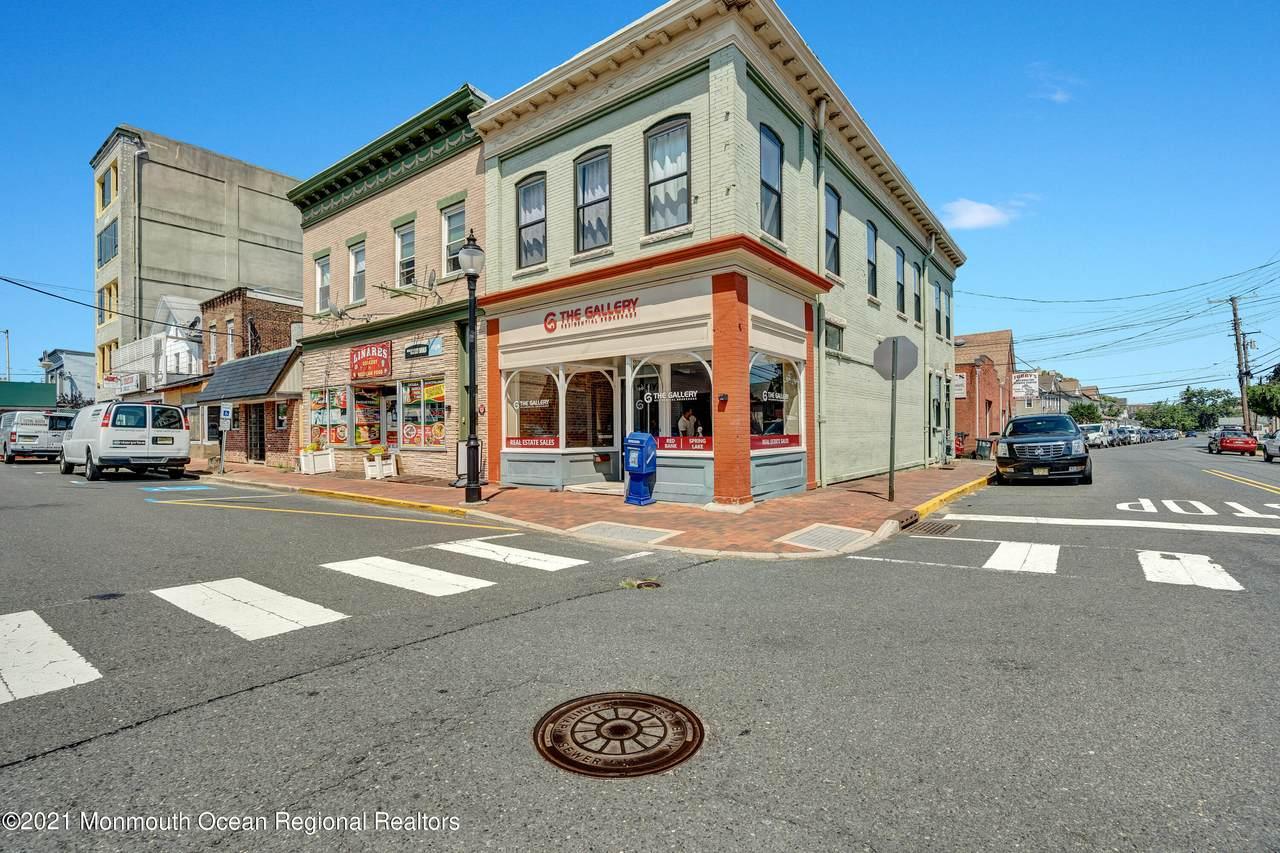 160 Monmouth Street - Photo 1