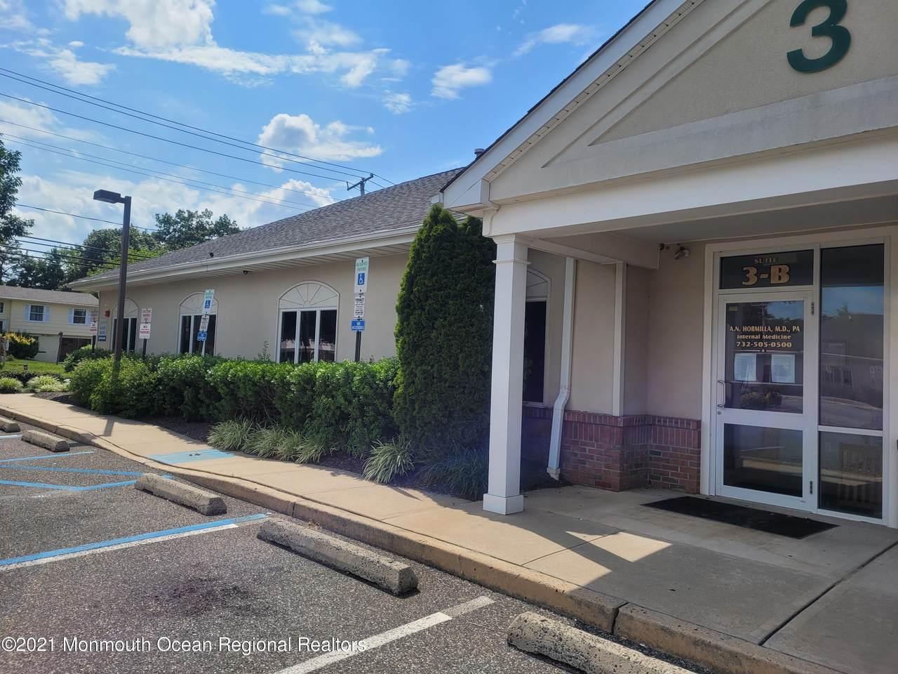 508 Lakehurst Road - Photo 1