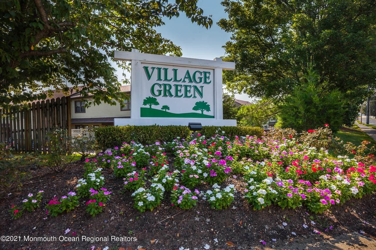 31 Village Green Way - Photo 1