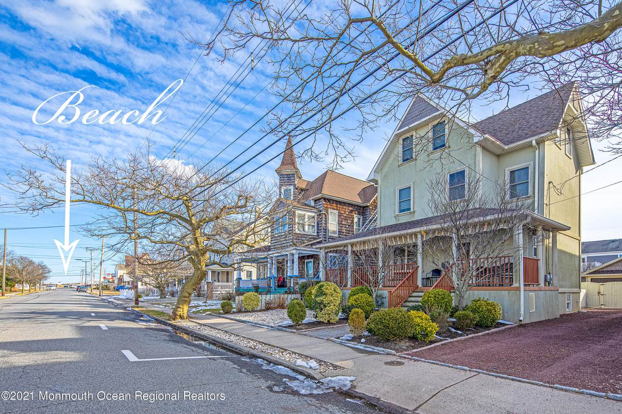 106 Forman Avenue - Photo 1