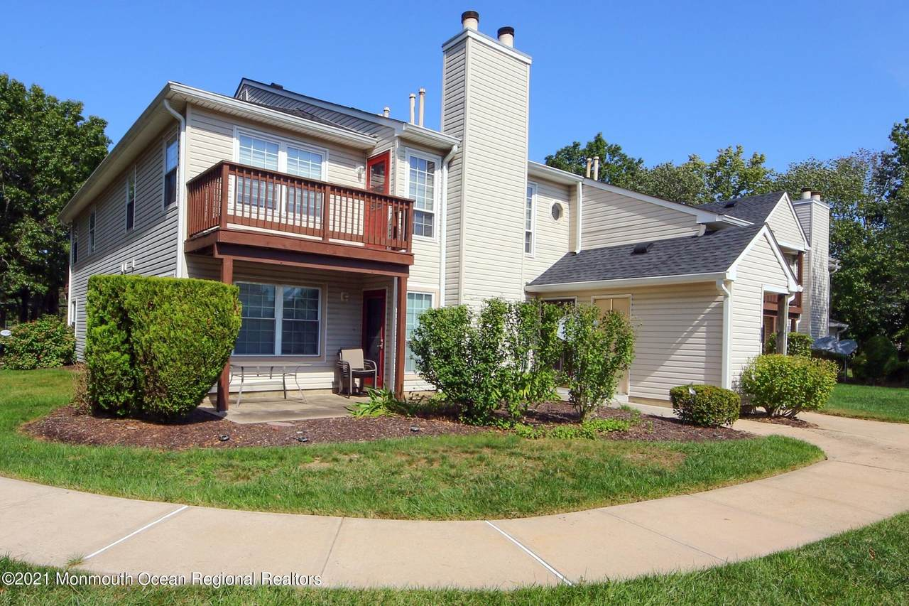 137 Tanglewood Place - Photo 1