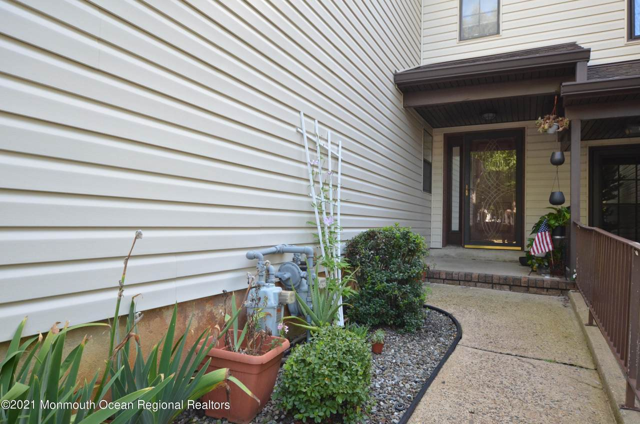 434 Oak Knoll Drive - Photo 1
