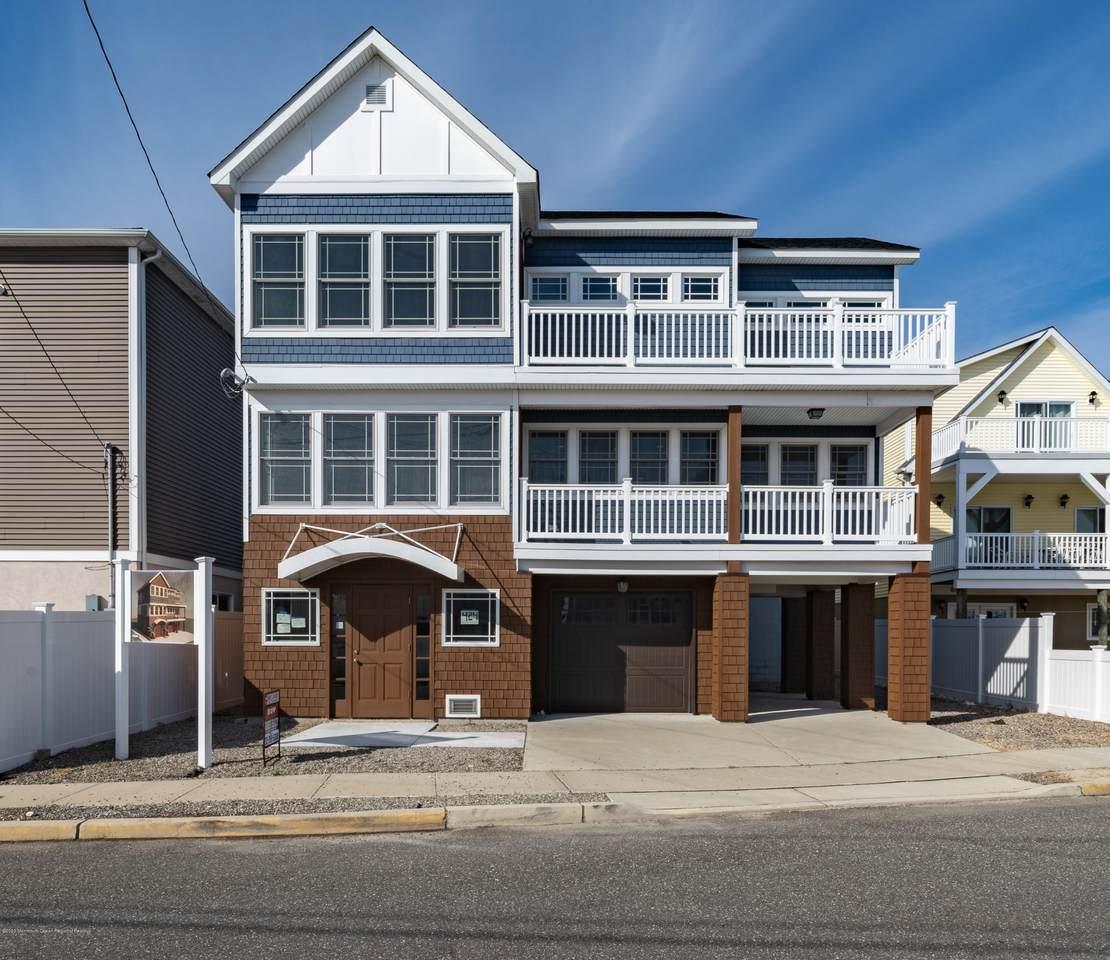 424 Bayside Terrace - Photo 1