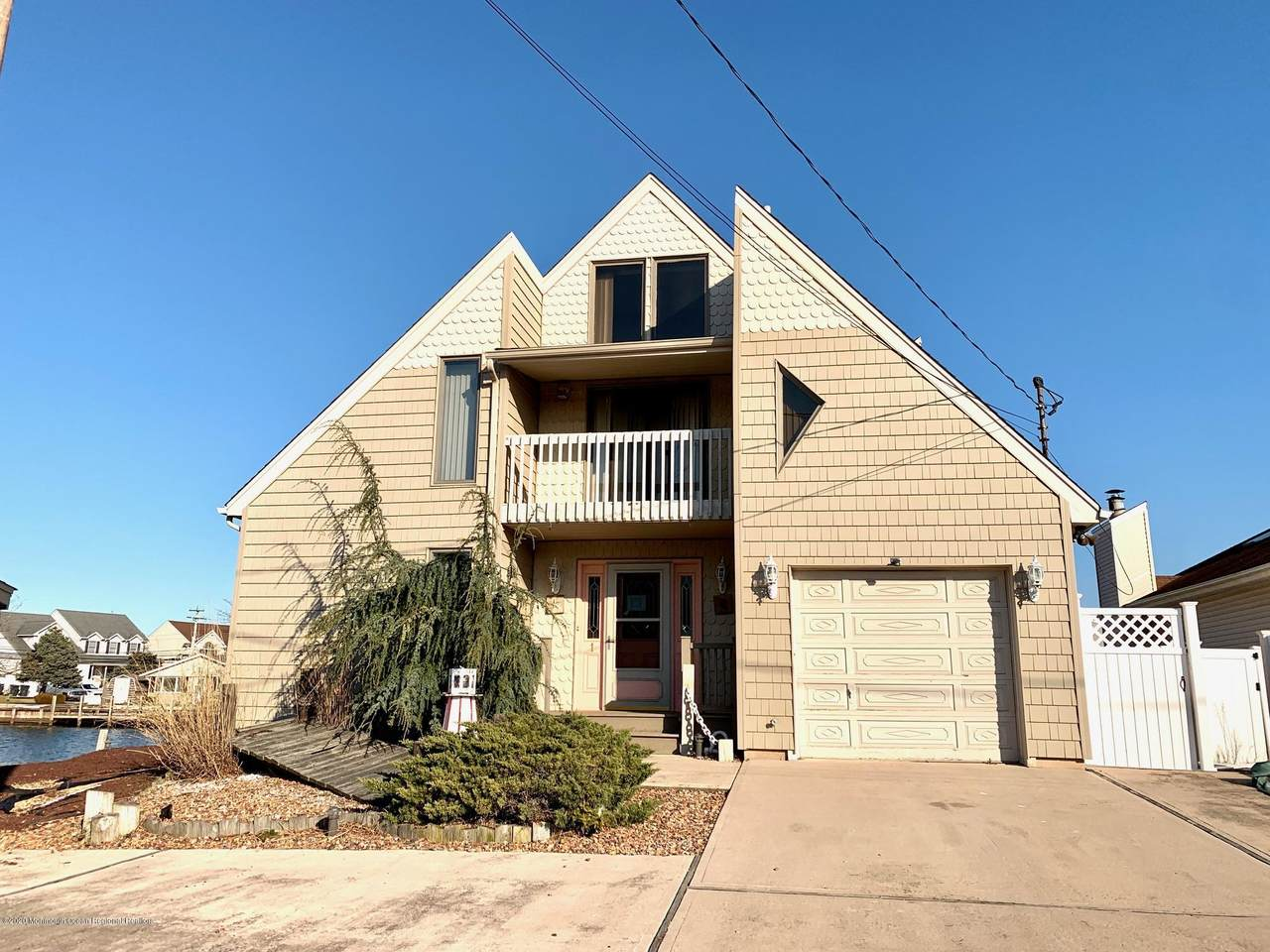 1 Clearwater Way - Photo 1