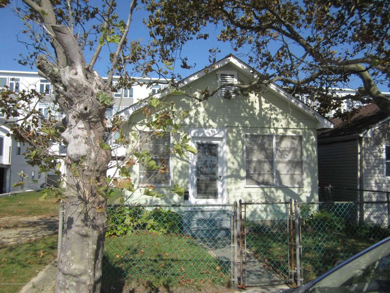 324 Franklin Avenue - Photo 1