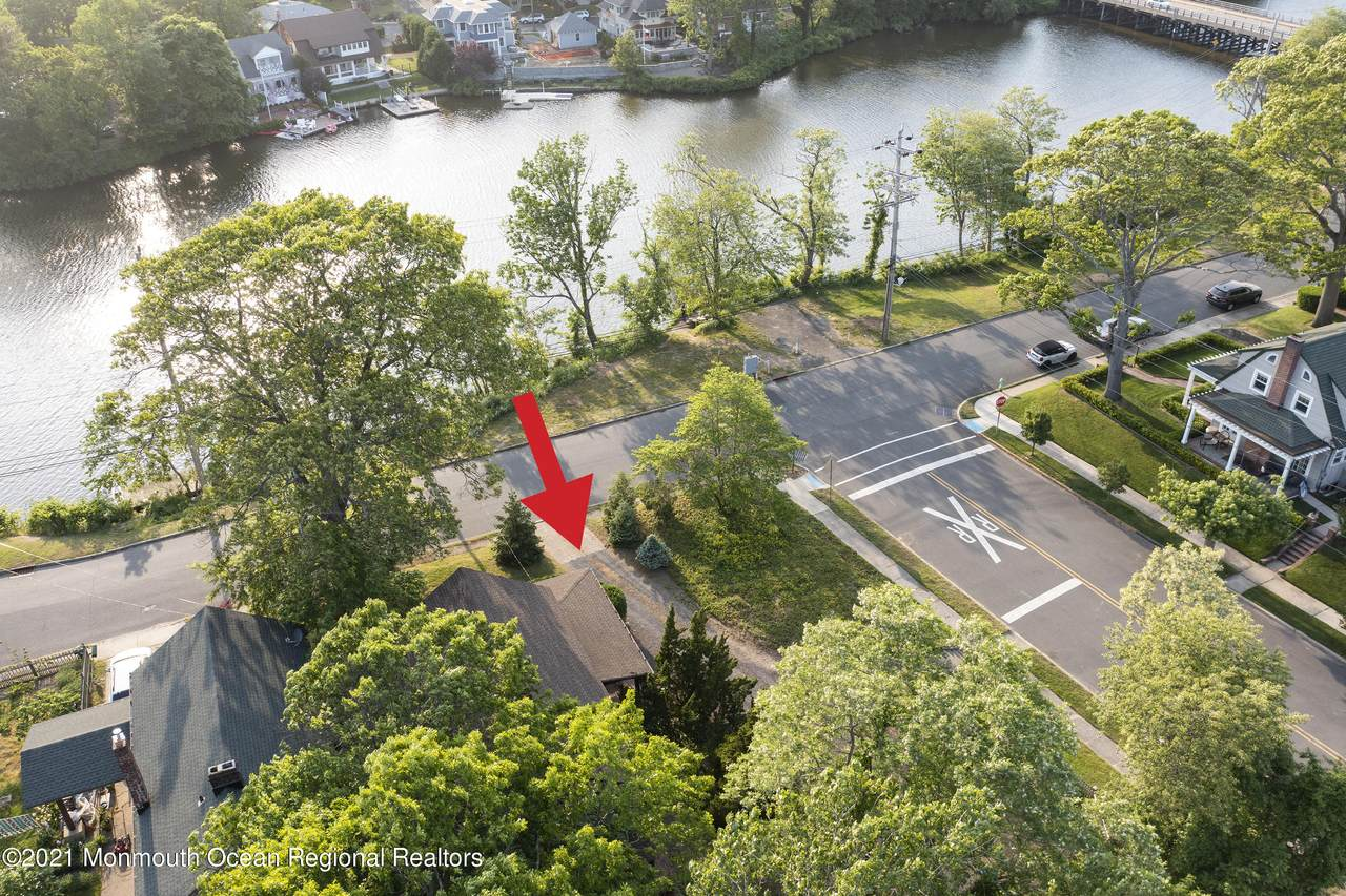 404 Lake Drive - Photo 1