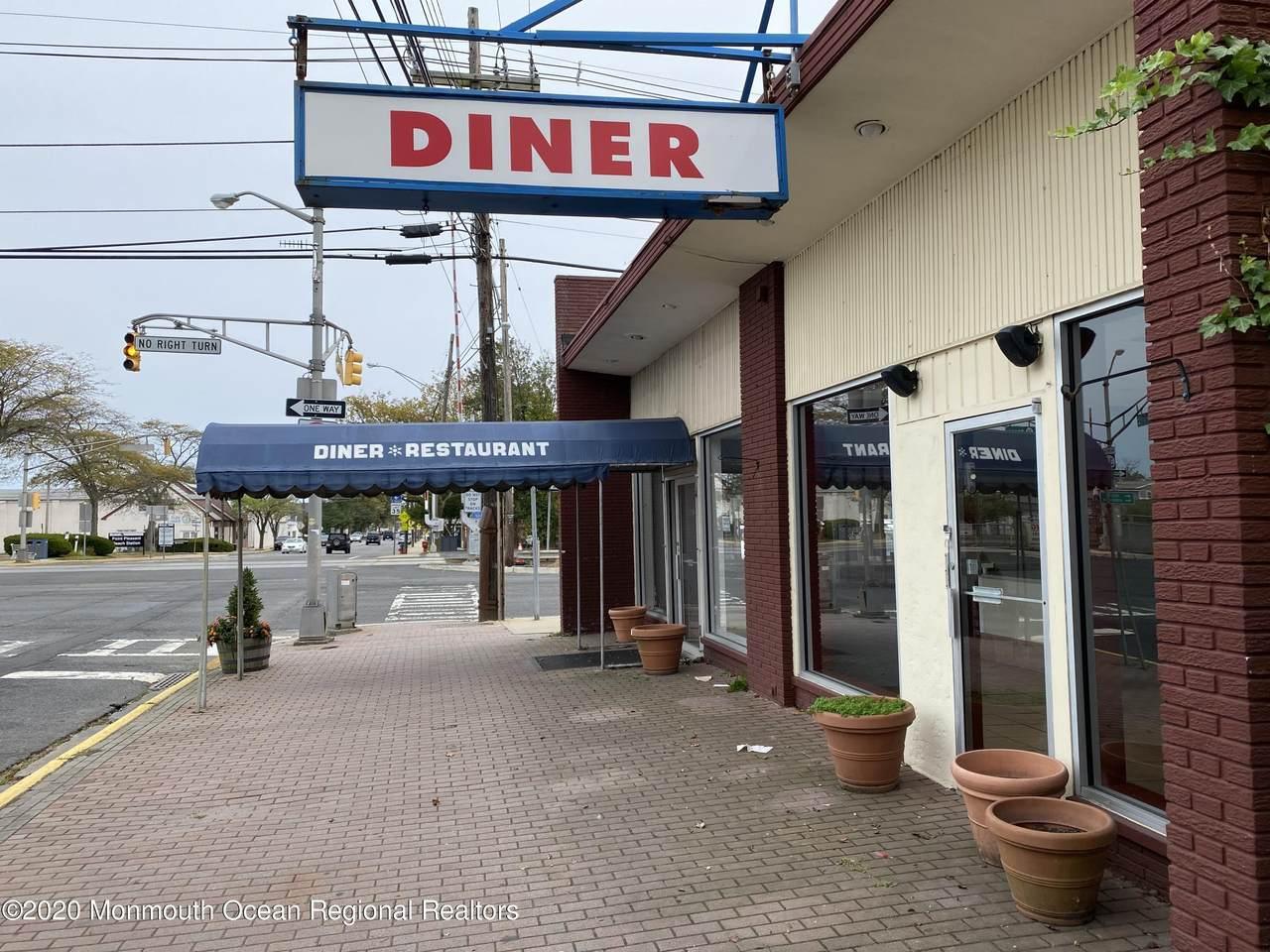 500 Arnold Avenue - Photo 1