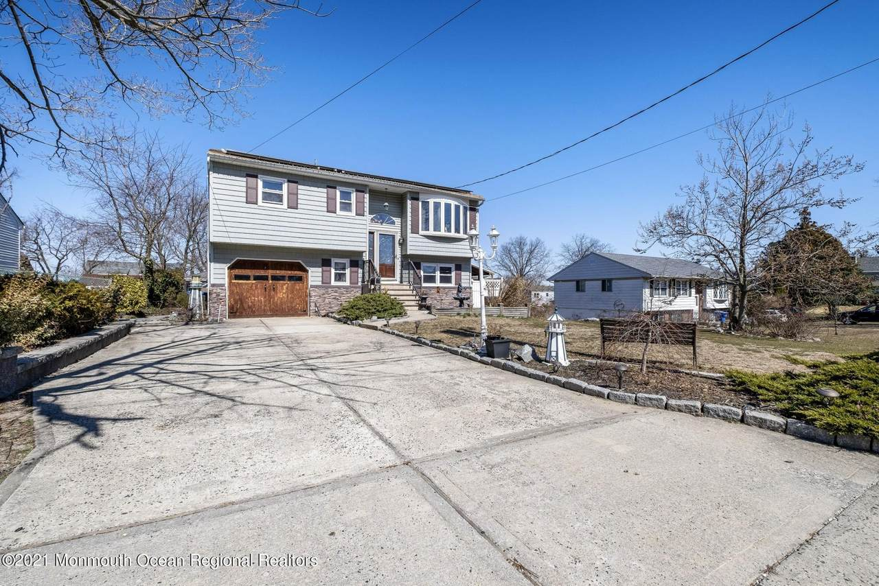 387 Monmouth Avenue - Photo 1