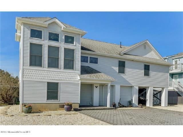 152 Admiral Way, Waretown, NJ 08758 (MLS #21717624) :: The Dekanski Home Selling Team