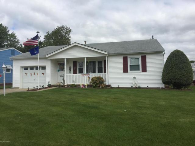 10 Coventry Road, Toms River, NJ 08757 (MLS #21718950) :: The Dekanski Home Selling Team
