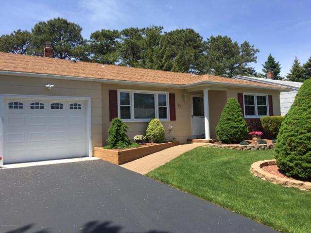35 Fairfield Road, Toms River, NJ 08757 (MLS #21719273) :: The Dekanski Home Selling Team