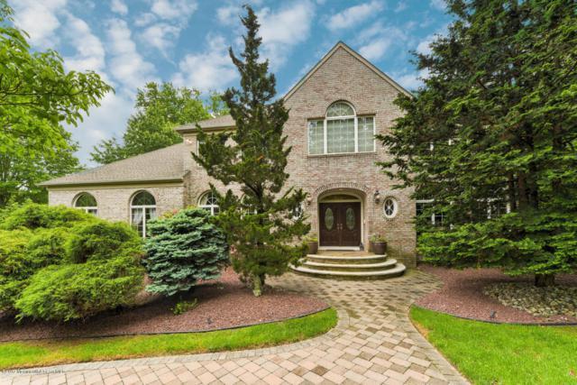 16 Oakcrest Court, Holmdel, NJ 07733 (MLS #21721117) :: The Dekanski Home Selling Team