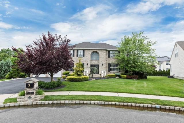 28 Peregrine Drive, Morganville, NJ 07751 (MLS #21721384) :: The Dekanski Home Selling Team