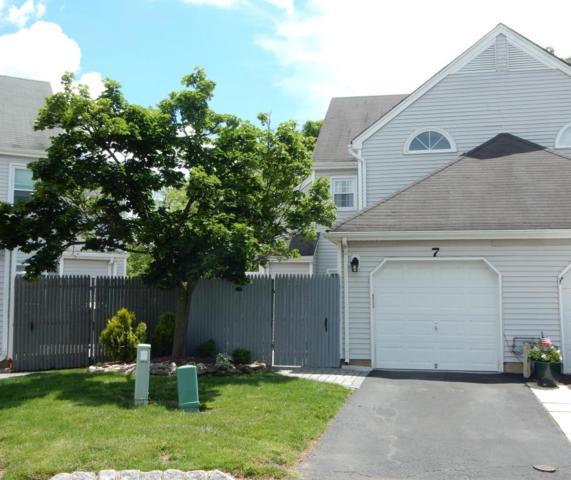 7 Robinson Court, Freehold, NJ 07728 (MLS #21721557) :: The Dekanski Home Selling Team