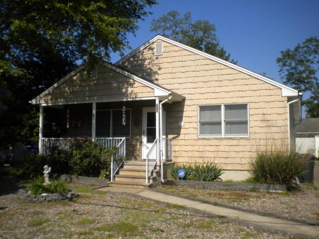 111 Grover Road, Toms River, NJ 08753 (MLS #21721786) :: The Dekanski Home Selling Team