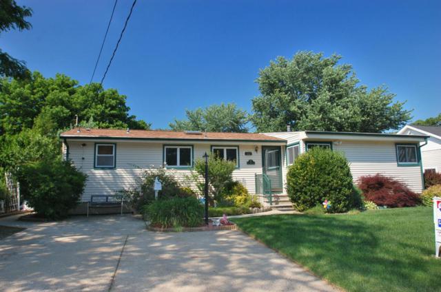 14 Annapolis Drive, Hazlet, NJ 07730 (MLS #21723110) :: The Dekanski Home Selling Team