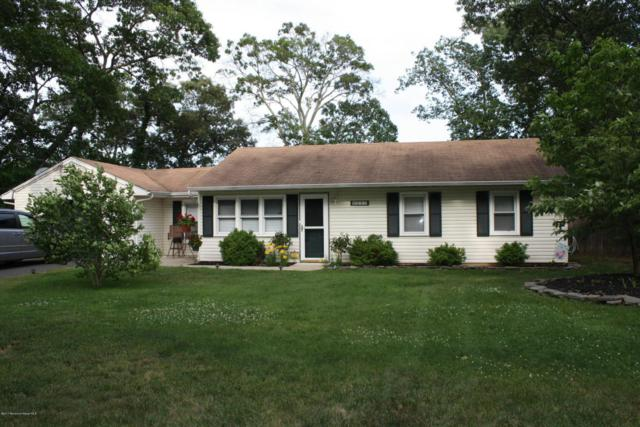 557 Holly Village Lane, Toms River, NJ 08753 (MLS #21724234) :: The Dekanski Home Selling Team