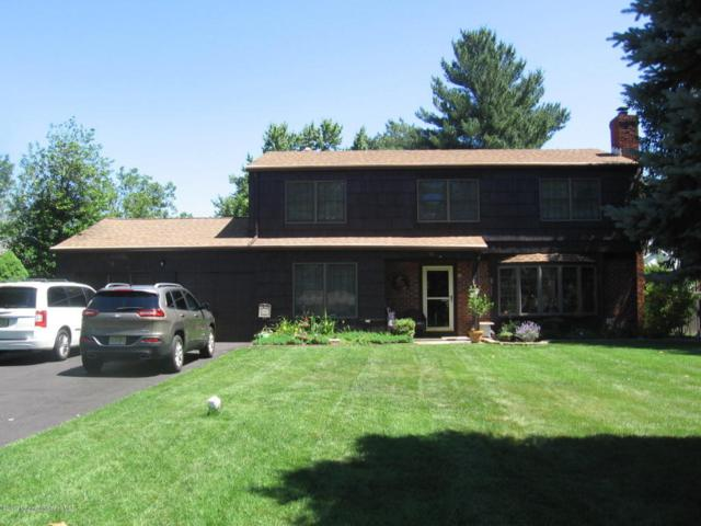 18 Lancelot Road, Manalapan, NJ 07726 (MLS #21724339) :: The Dekanski Home Selling Team