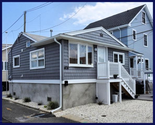 25 E Sea Way, Lavallette, NJ 08735 (MLS #21724563) :: The Dekanski Home Selling Team