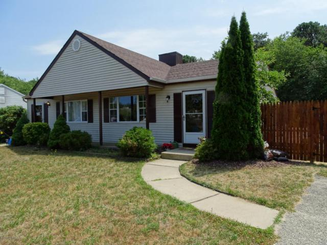 2070 Lamplighter Drive, Toms River, NJ 08753 (MLS #21726264) :: The Dekanski Home Selling Team