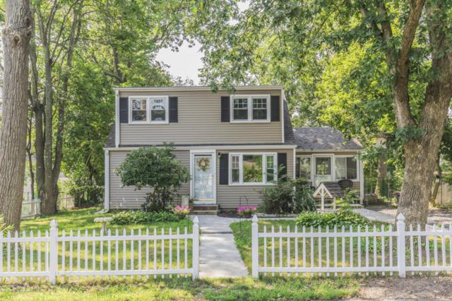 514 Middle Lane, Howell, NJ 07731 (MLS #21728503) :: The Dekanski Home Selling Team