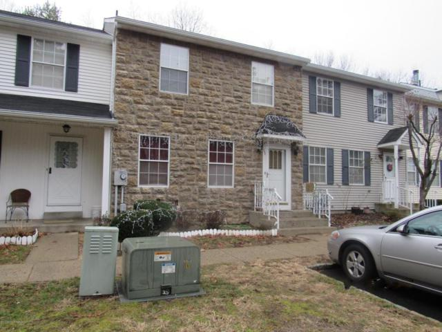 588 Davids Court, Lakewood, NJ 08701 (MLS #21729383) :: The Dekanski Home Selling Team