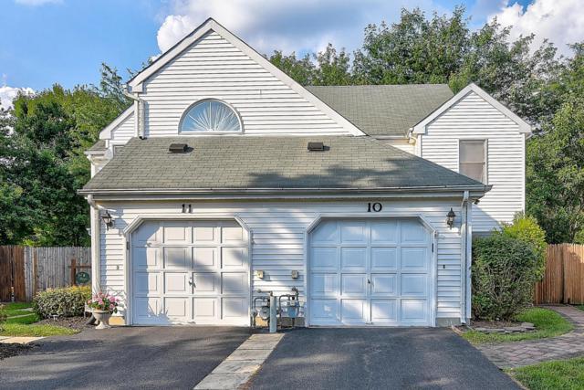 10 Dickenson Court, Freehold, NJ 07728 (MLS #21730069) :: The Dekanski Home Selling Team