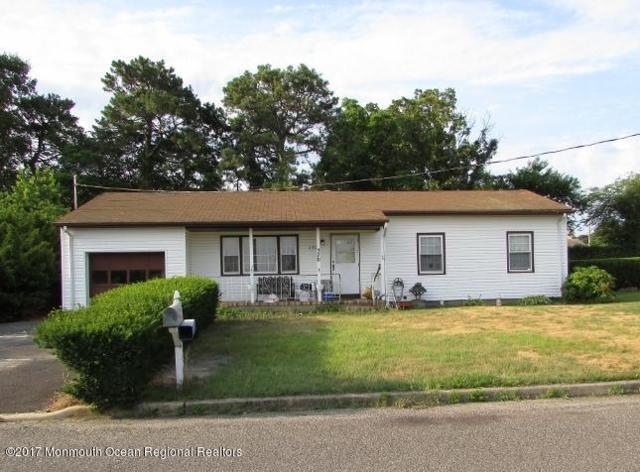370 Lake Shore Drive, Brick, NJ 08723 (MLS #21730592) :: The Dekanski Home Selling Team