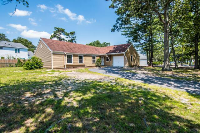 852 Tudor Court, Toms River, NJ 08753 (MLS #21730724) :: The Dekanski Home Selling Team